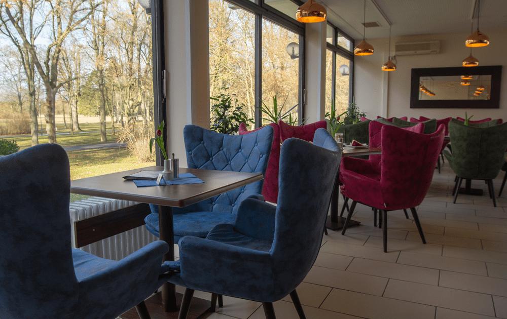 Parkcafé Parkcafe Außenansicht Reichel's Parkhotel Reichels Bad Windsheim